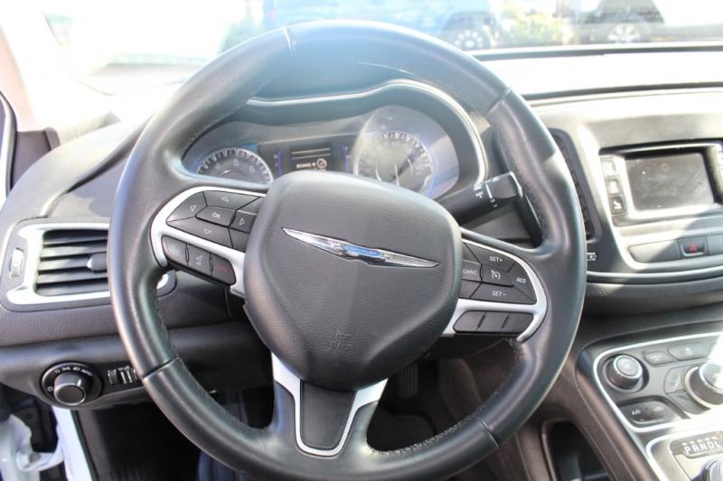 Chrysler 200 2015 price $13,499