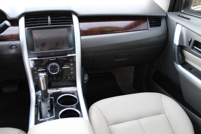 Ford Edge 2012 price $13,499