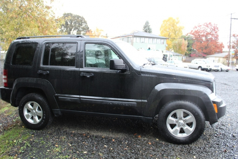 Jeep Liberty 2010 price $8,999