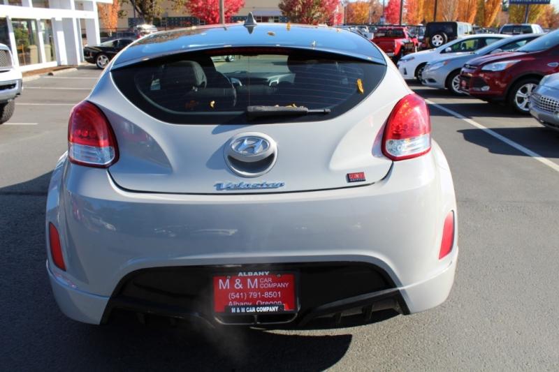 Hyundai Veloster 2013 price $9,699