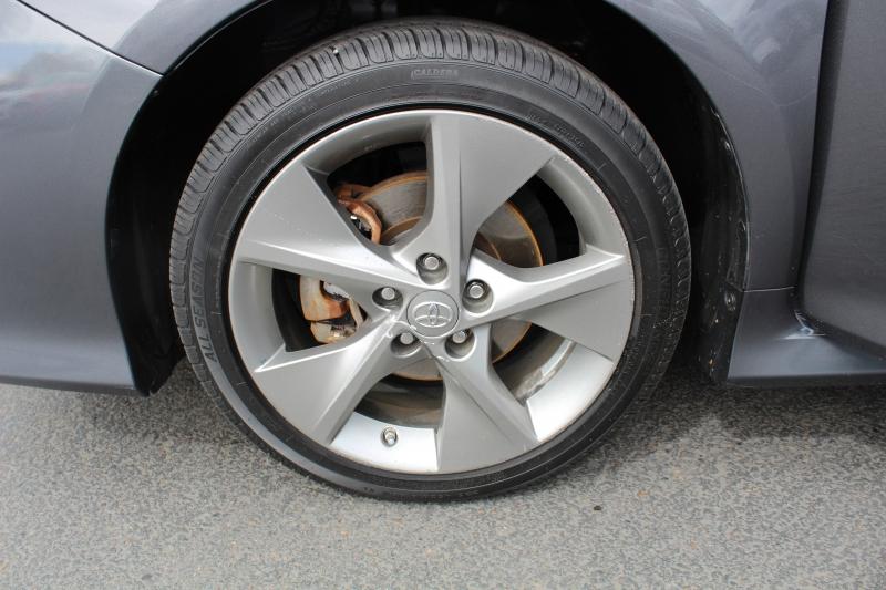Toyota Camry 2014 price $13,499
