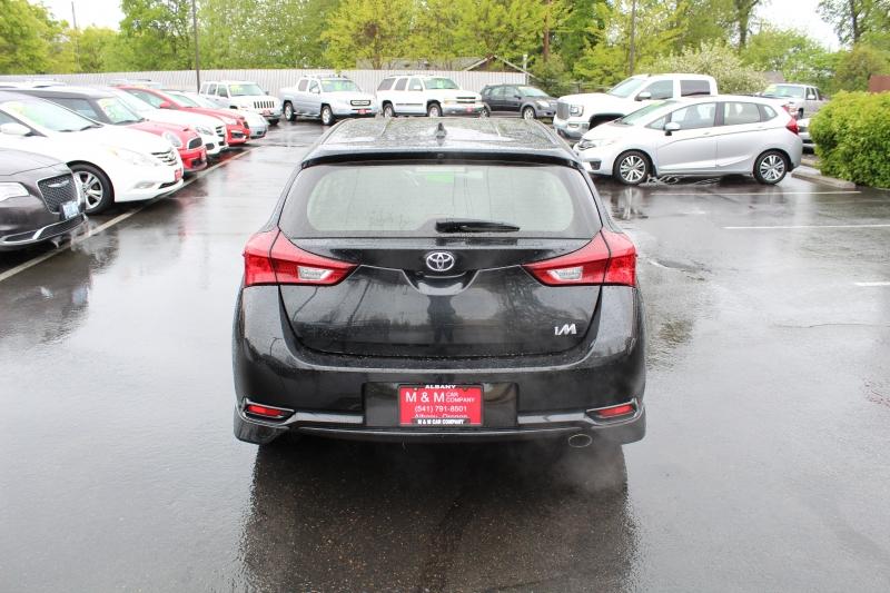 Toyota Corolla iM 2018 price $16,499