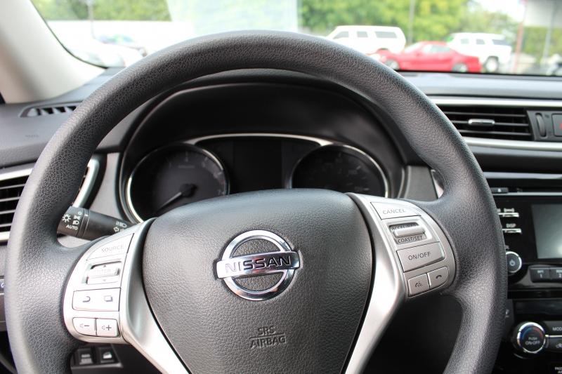 Nissan Rogue 2015 price $15,999