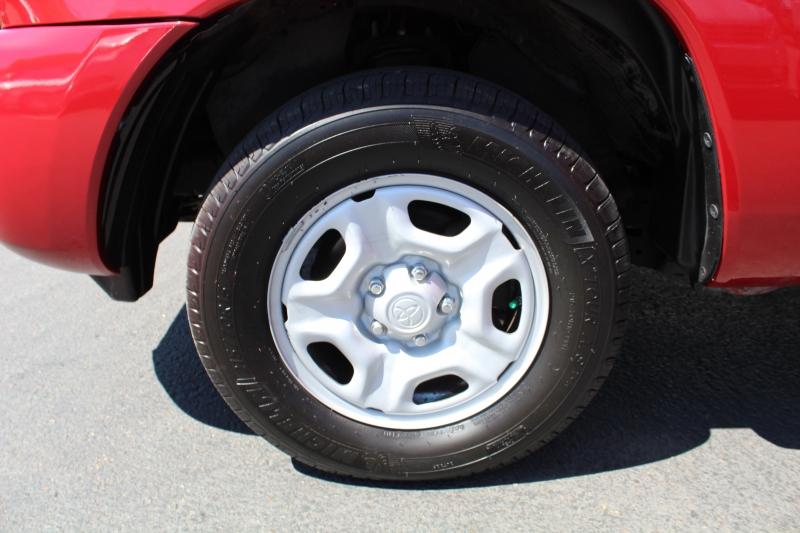 Toyota Tacoma 2009 price $13,999