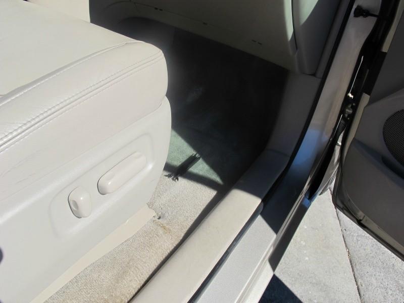 Toyota Sienna 2008 price $11,695