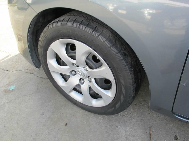 Mazda Mazda3 2012 price $8,695