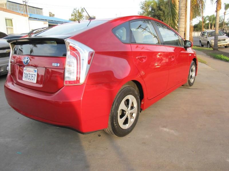 Toyota Prius 2013 price $13,995