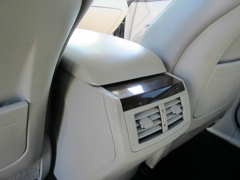 Toyota Venza 2010 price $10,995
