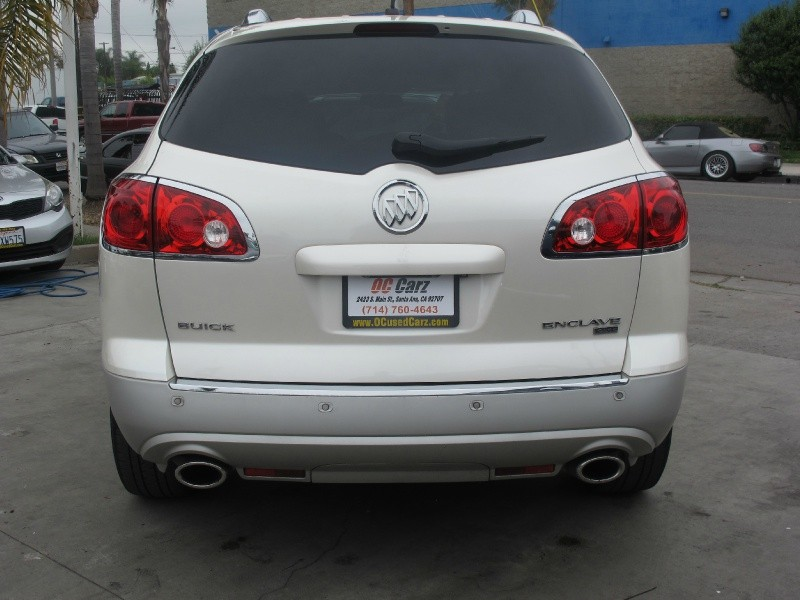 Buick Enclave 2011 price $14,895
