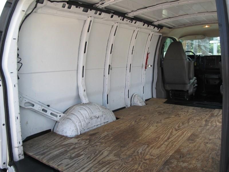 Chevrolet Express Cargo Van 2006 price $7,995