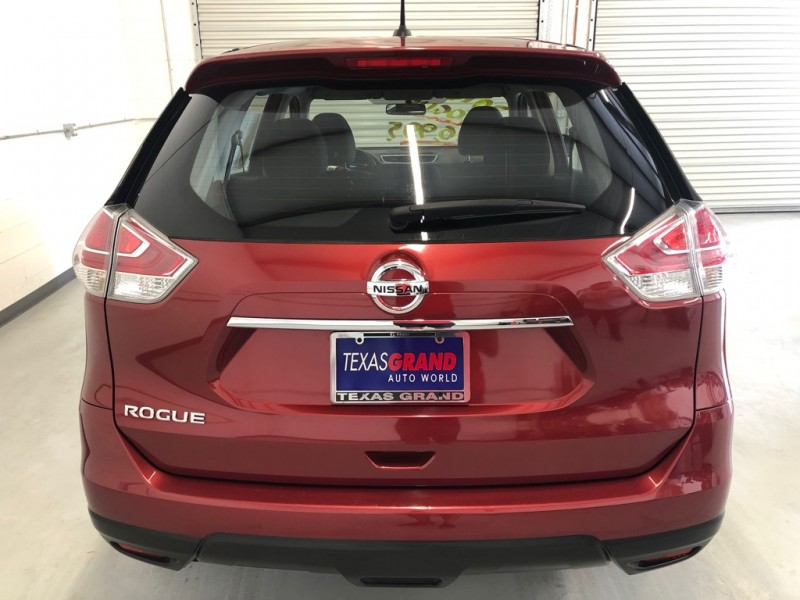 Nissan Rogue 2016 price $16,495
