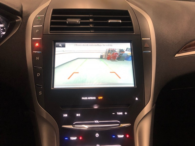 Lincoln MKZ 2015 price $18,995