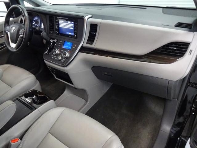 Toyota Sienna 2018 price $27,995