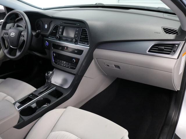Hyundai Sonata Hybrid 2016 price $12,995