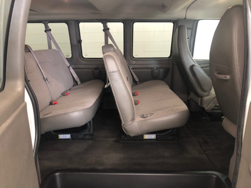 Chevrolet Express Passenger 2015 price $15,995