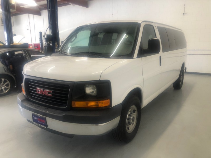 GMC Savana Passenger 2016 price $16,995