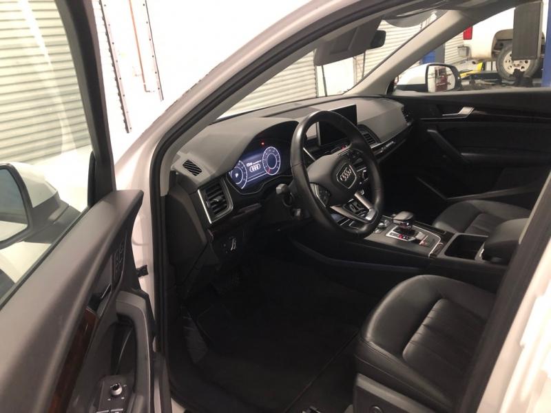 Audi Q5 2018 price $32,995