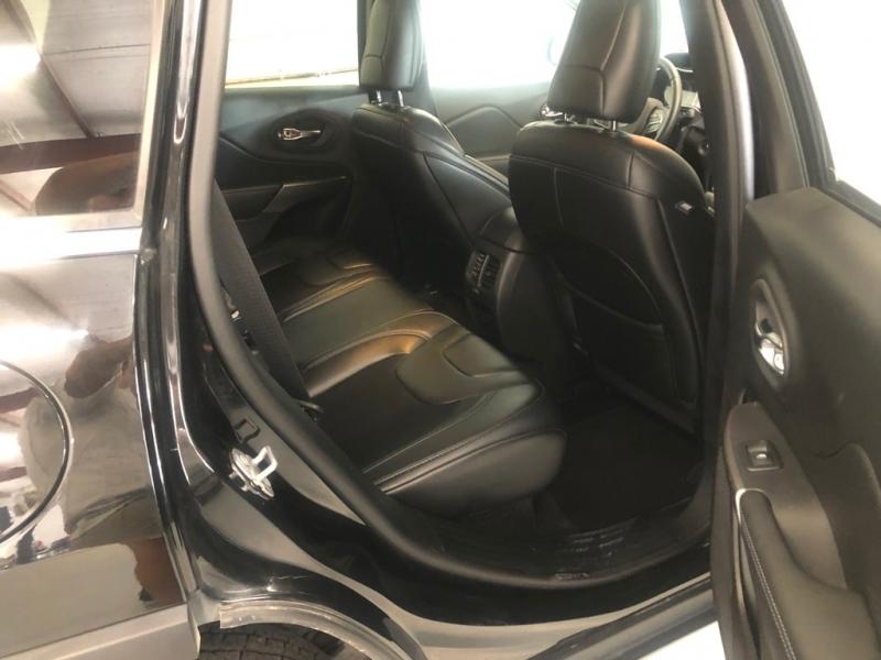 Jeep Cherokee 2019 price $19,995