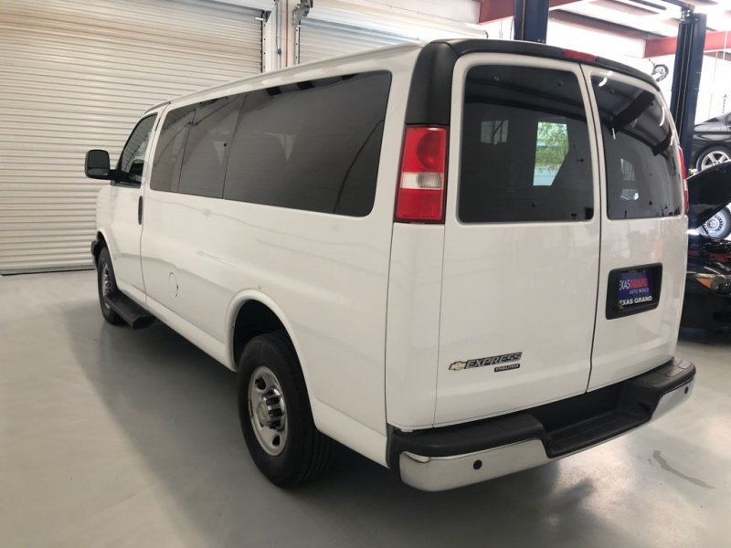 Chevrolet Express Passenger 2016 price $16,995