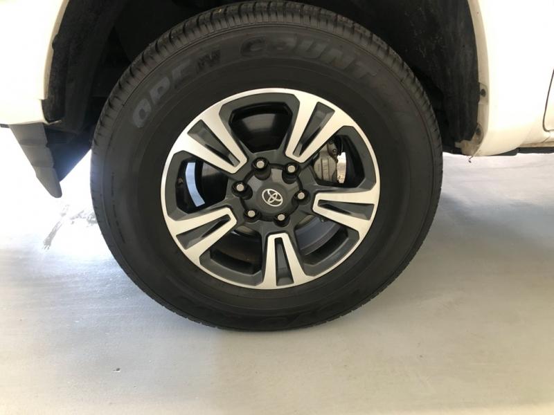 Toyota Tacoma 2019 price $29,995