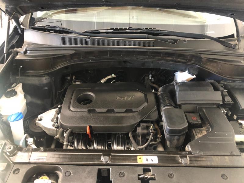 Hyundai Santa Fe 2017 price $15,995