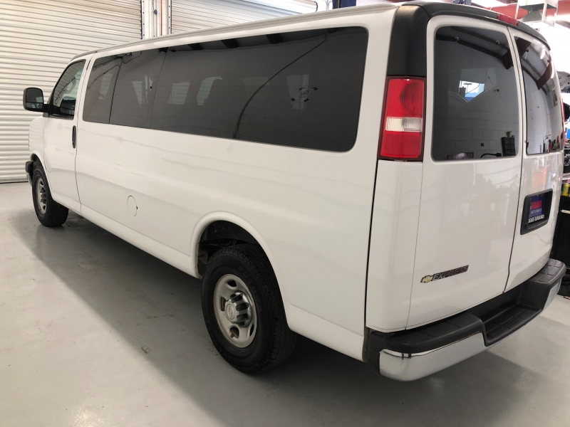 Chevrolet Express Passenger 2017 price $16,995