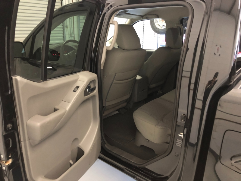 Nissan Frontier 2019 price $19,995