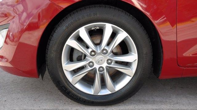 Hyundai Elantra GT 2013 price $8,985