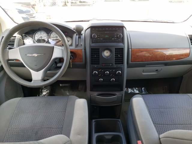 Chrysler Town & Country 2008 price $5,112