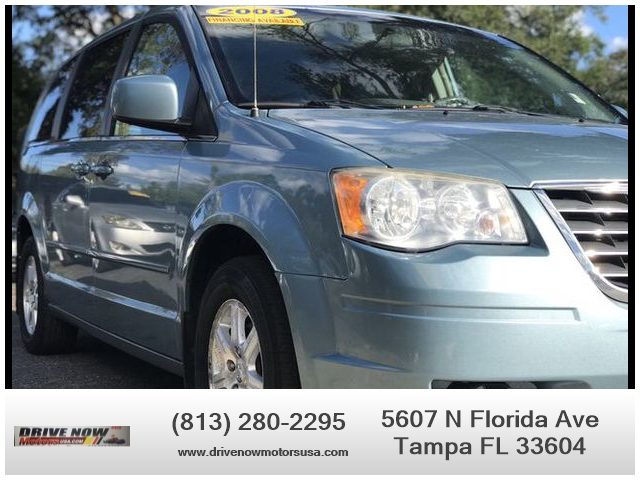Chrysler Town & Country 2008 price $4,495