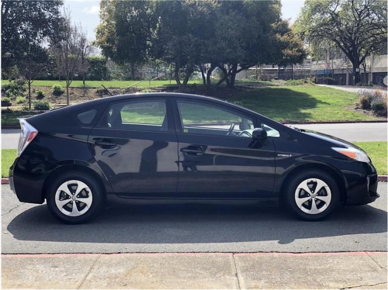 Toyota Prius 2013 price $9,990