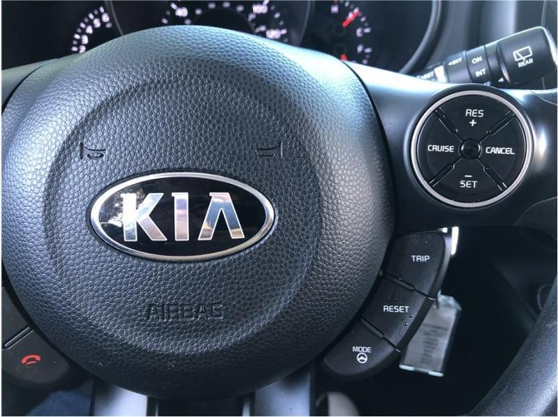 Kia Soul 2016 price $9,990