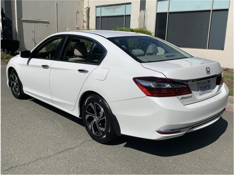 Honda Accord 2017 price $12,990