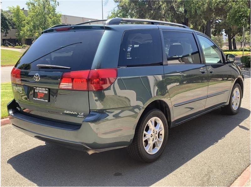 Toyota Sienna 2005 price $6,300