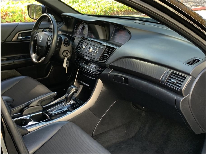 Honda Accord 2016 price $10,990