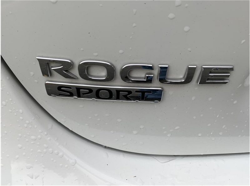 Nissan Rogue Sport 2019 price $15,800