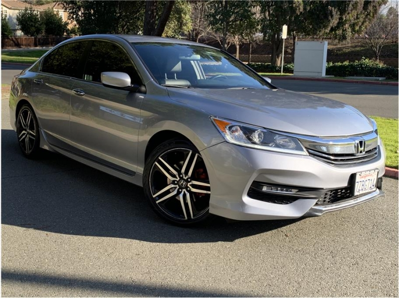 Honda Accord 2017 price $13,990