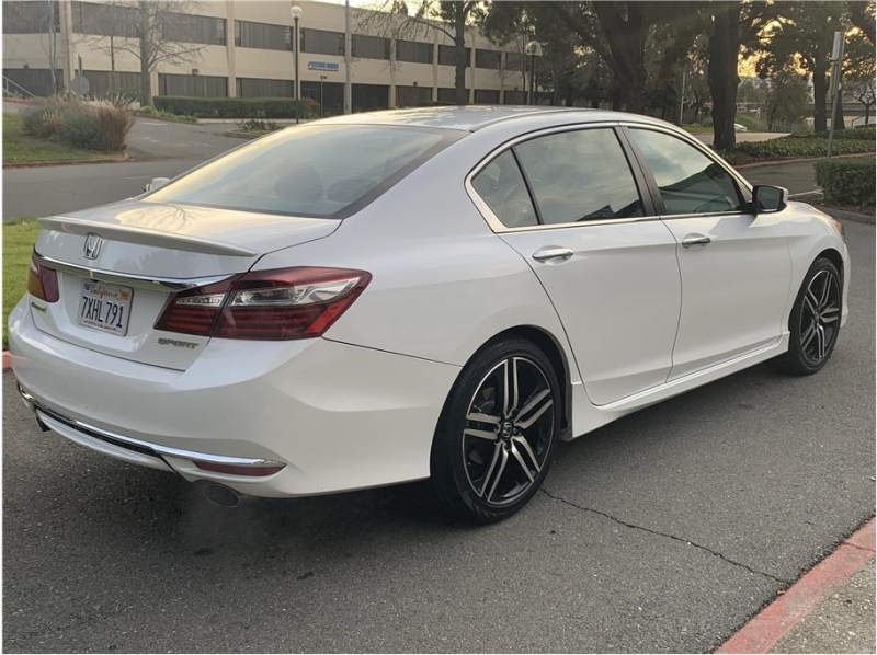 Honda Accord 2017 price $13,988