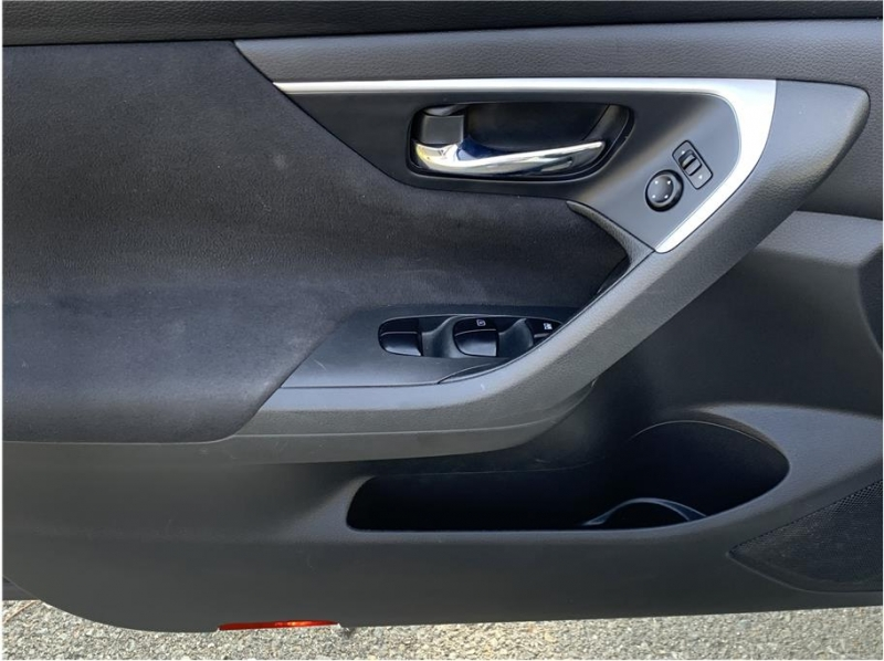 Nissan Altima 2015 price $9,800