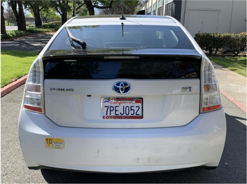 Toyota Prius 2010 price $8,990