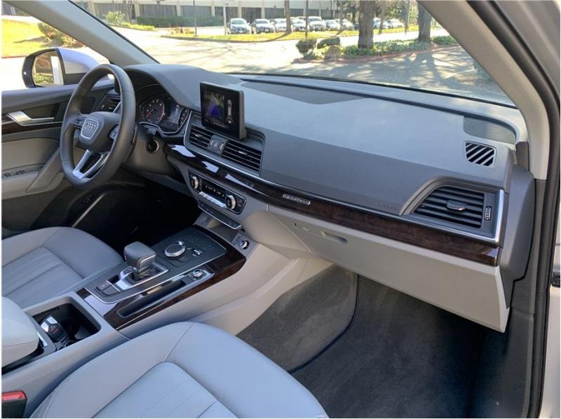 Audi Q5 2019 price $33,990