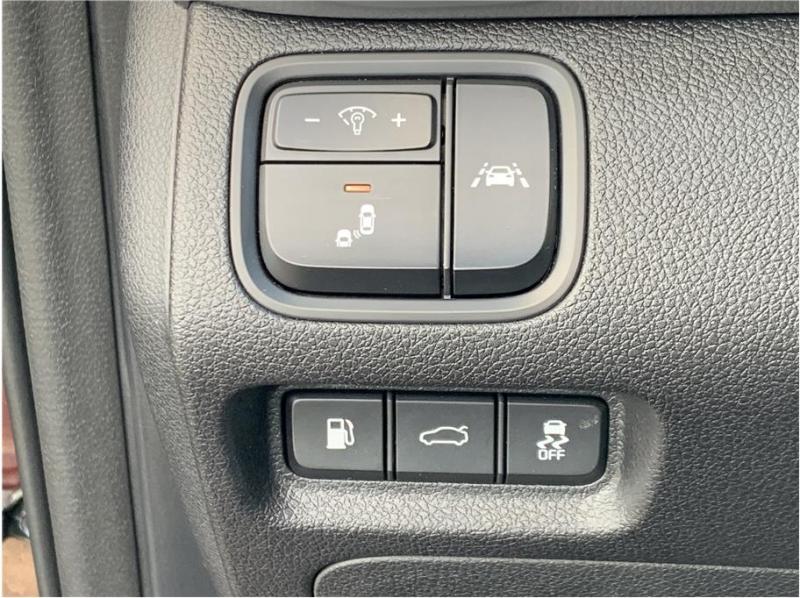 Kia Optima 2019 price $15,990