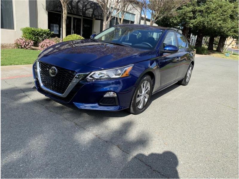 Nissan Altima 2020 price $17,990