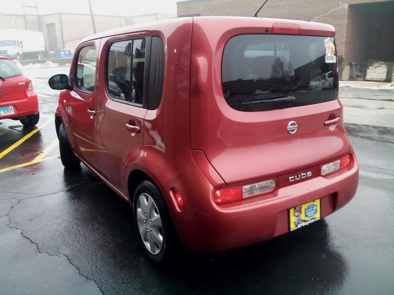 Nissan cube 2009 price $4,750
