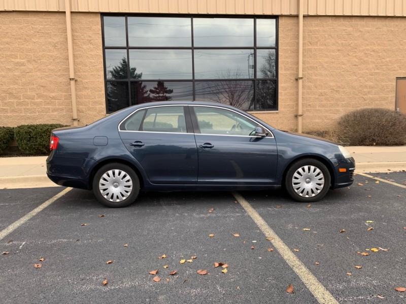 Volkswagen Jetta 2005 price $3,499