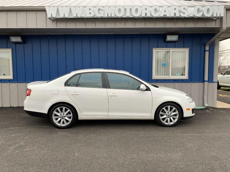 Volkswagen Jetta Sedan 2010 price $5,998