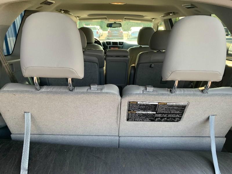 Toyota Highlander Hybrid 2013 price $15,498