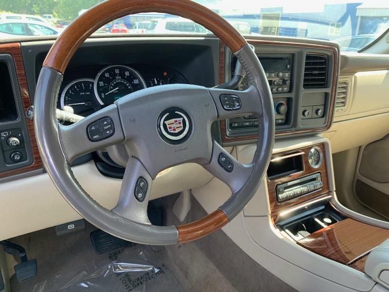 Cadillac Escalade 2004 price $4,998