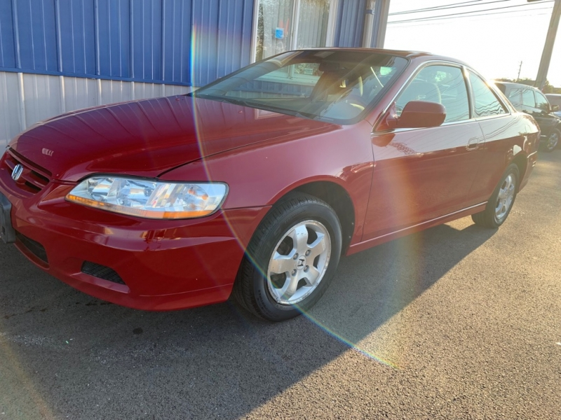 Honda Accord Cpe 2001 price $2,398