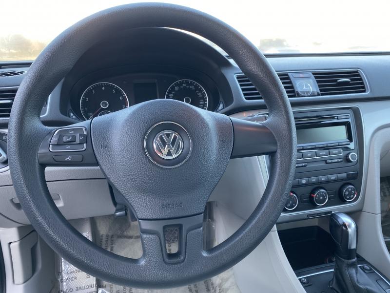 Volkswagen Passat 2013 price $7,998